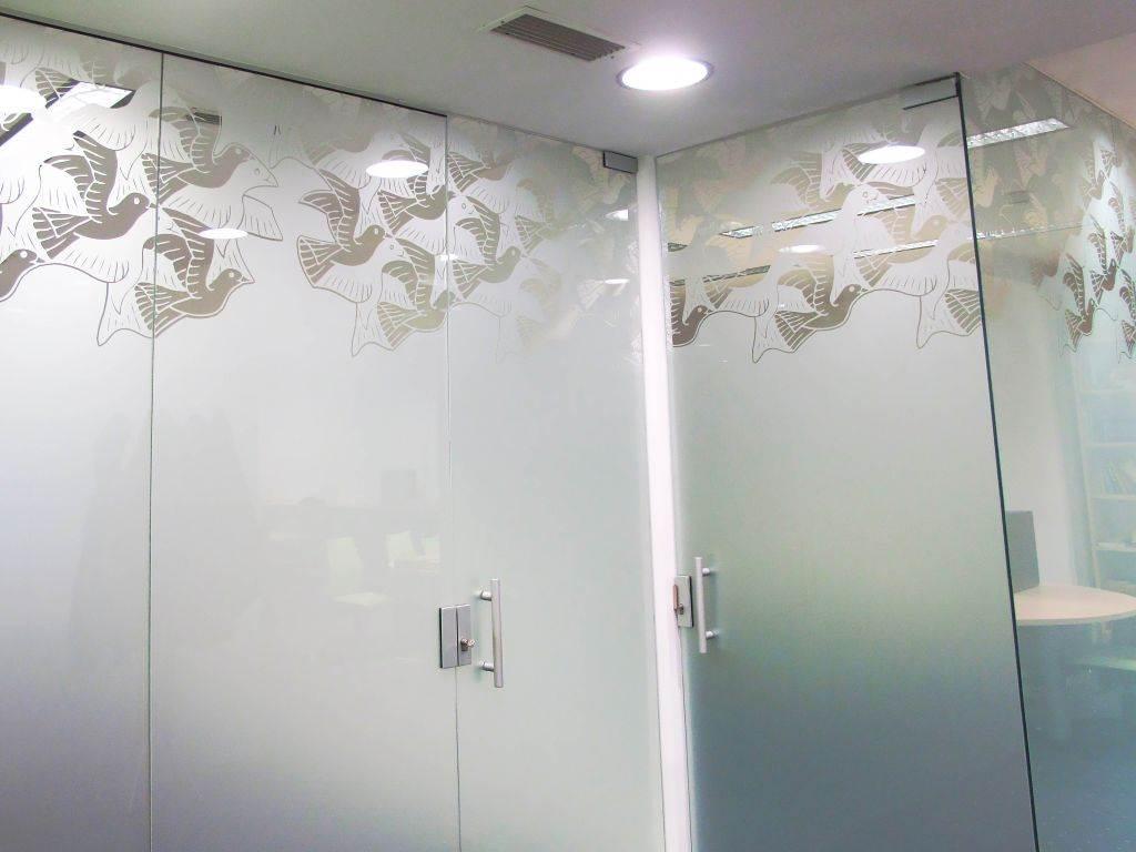 Dekorativna folija za steklo